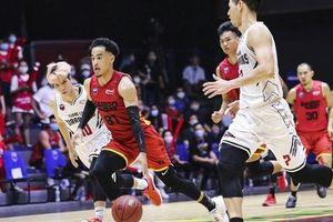 Christian Juzang 'đơn thương độc mã' trong ngày Saigon Heat thất thủ ở Game 2 VBA Finals 2020