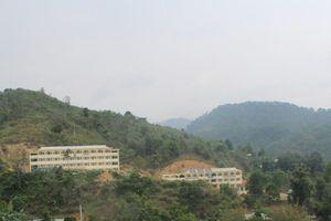 Quảng Nam: Chấp nhận mạo hiểm bạt núi xây trường vì thiếu đất