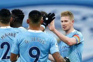 De Bruyne và Sterling giúp Man City thắng dễ Fulham