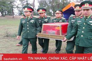 Cất bốc, tiễn đưa hài cốt liệt sỹ ở Hà Tĩnh về Nghệ An