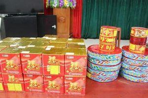 Vận chuyển hơn 50 kg pháo lậu từ Trung Quốc về Việt Nam