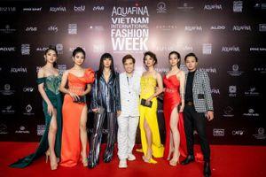 Hoa hậu Lê Âu Ngân Anh, S.T Sơn Thạch đến ủng hộ NTK Ivan Trần