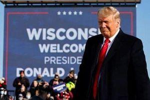 Sức hấp dẫn đặc biệt của ông Trump: Thất thế bầu cử vẫn kêu gọi được vài trăm triệu USD tiền ủng hộ