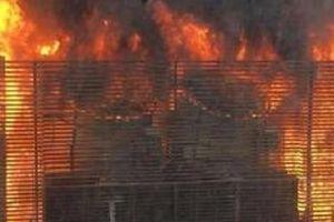 Dập tắt đám cháy tại chung cư HH2 Complex