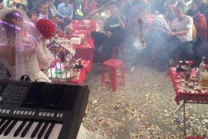 'Chơi ngông' đốt pháo trong ngày cưới, chú rể bị phạt 1,5 triệu đồng