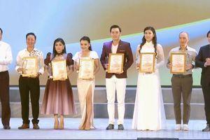 Trao 6 huy chương vàng cho tài năng trẻ diễn viên cải lương