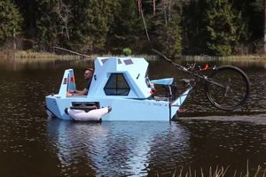 Cận cảnh xe độ độc như một căn nhà di động có thể di chuyển dưới nước