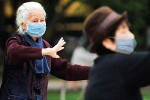 Bảo vệ sức khỏe người cao tuổi khi thời tiết lạnh