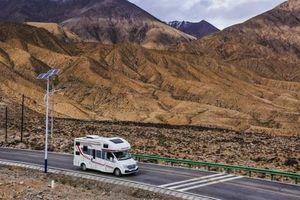 Du lịch nội địa Trung Quốc: Rong chơi trên những chiếc xe RV giúp người dân quên đi nỗi lo Covid-19