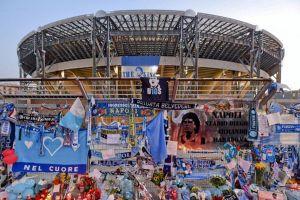 Tên Maradona đặt cho sân bóng ở Ý và đường phố Argentina
