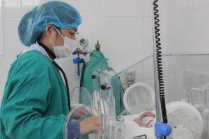 Thầy thuốc tuyến huyện cùng Telehealth hồi sinh sự sống cho nhiều trẻ sinh non, nhẹ cân