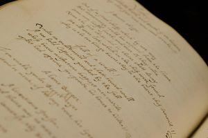 Bản thảo chép tay 131 bài thơ của thi sĩ John Donne