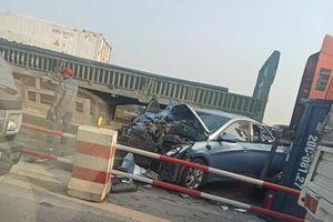Tai nạn liên hoàn trên cầu Thanh Trì, giao thông ùn tắc nghiêm trọng