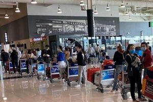 Dịch Covid-19: Đưa thêm gần 350 công dân Việt Nam từ UAE và Ấn Độ về nước