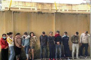 Phát hiện 6 nam thanh niên đang thác loạn ma túy với 5 cô gái