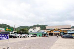 Bãi đỗ xe trước chợ Vĩnh Hải hoạt động ổn định