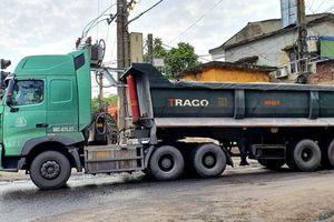 Xe tải trọng lớn đi vào đường nội thị gây mất an toàn giao thông