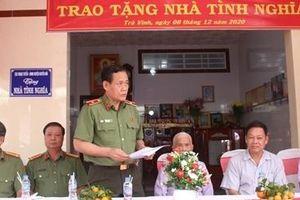 Cục Ngoại tuyến tặng nhà cho Mẹ Việt Nam anh hùng