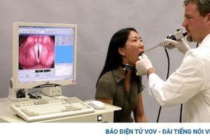 Tíc thanh quản- một rối loạn giọng cần chữa sớm