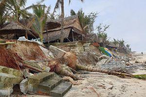 Cận cảnh bãi biển đẹp nhất châu Á ngổn ngang sau gần 1 tháng bão Vamco quét qua