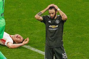 Bại trận trước Leipzig, Man United xuống chơi Europa League