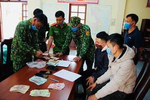 Biên phòng Gia Lai phát hiện bắt giữ gần 3m3 gỗ và 300kg pháo nổ