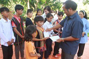 Vận động các nguồn lực để hỗ trợ trẻ em ở các xã đặc biệt khó khăn