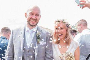 Cô dâu diện toàn đồ second-hand tại đám cưới