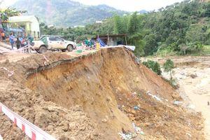 Quảng Nam ban hành tình huống khẩn cấp sạt lở đường tại Phước Sơn