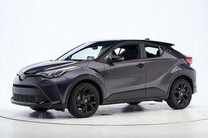 Toyota CH-R và Camry 2021 đoạt giải an toàn Top Safety Pick