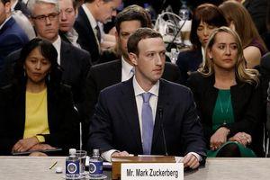 Facebook có thể buộc phải bán Instagram và WhatsAp?