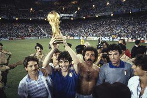 Huyền thoại Paolo Rossi: Treo giò 2 năm vẫn giúp Italia vô địch thế giới