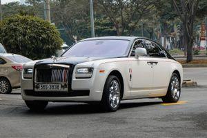 Minh Nhựa lái Rolls-Royce Ghost đi nhận xe mới