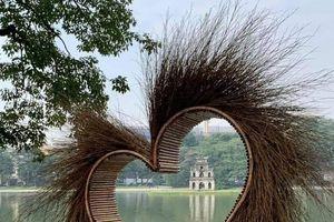 Sở Văn hóa Hà Nội lên tiếng về 'trái tim lạ' ở bờ Hồ