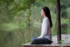 Sống chậm lại, sống cho thực tại nhiều hơn và nghĩ ít đi