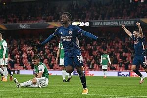 Arsenal toàn thắng sáu trận Europa League