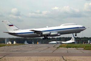 'Khối u' trên đầu máy bay Ngày Tận Thế của Nga có gì bên trong?