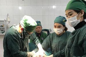 Hà Tĩnh: Cứu sống mẹ và con sản phụ bị vỡ tử cung, nhau cài răng lược