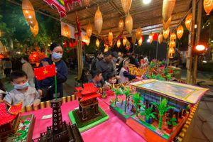 Độc đáo những di tích lịch sử ở Hà Nội nặn bằng bột tò he