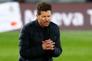 Thua derby, Simeone trách mình, mắng học trò