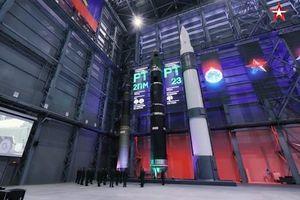 Nga công bố hình ảnh và tốc độ thật của Avangard