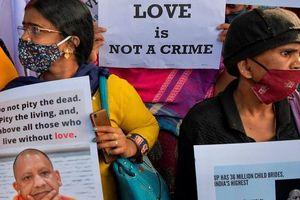 Nam sinh viên nguy cơ tù 10 năm vì quyến rũ phụ nữ có chồng bỏ đạo Hindu cưới mình