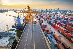 Phí hạ tầng cảng biển tại TPHCM: Tăng đột biến, doanh nghiệp 'kêu trời'