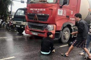 Va chạm xe đầu kéo, cô gái tử vong tại chỗ, thanh niên đi cùng thương nặng
