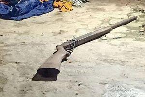 Thu hồi 6 khẩu súng ở nơi xảy ra trọng án khiến 4 người thương vong