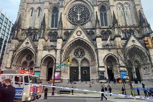 Mỹ: Một tay súng bắn cảnh sát bên ngoài nhà thờ ở New York