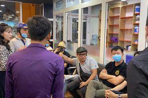 Clip: Huỳnh Phương, quản lý cũ cố danh hài Chí Tài và nhiều sao Việt đến gặp gymer D.N 'hỏi chuyện'