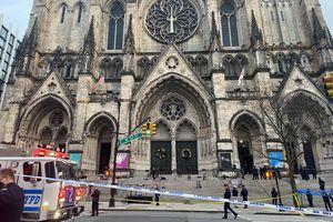 Nổ súng bên ngoài nhà thờ ở New York, Mỹ