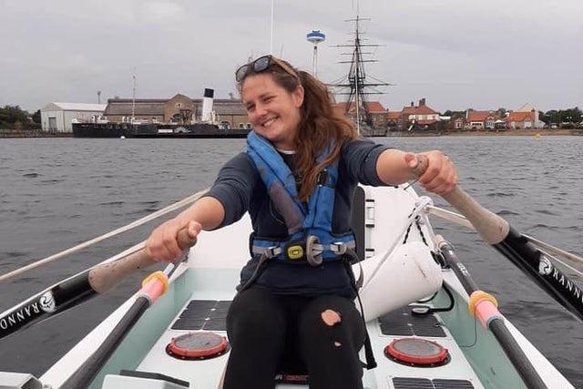 Cô giáo Anh một mình chèo thuyền qua Đại Tây Dương