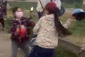 Hai nhóm nữ sinh thách đấu, đánh nhau bằng mũ bảo hiểm